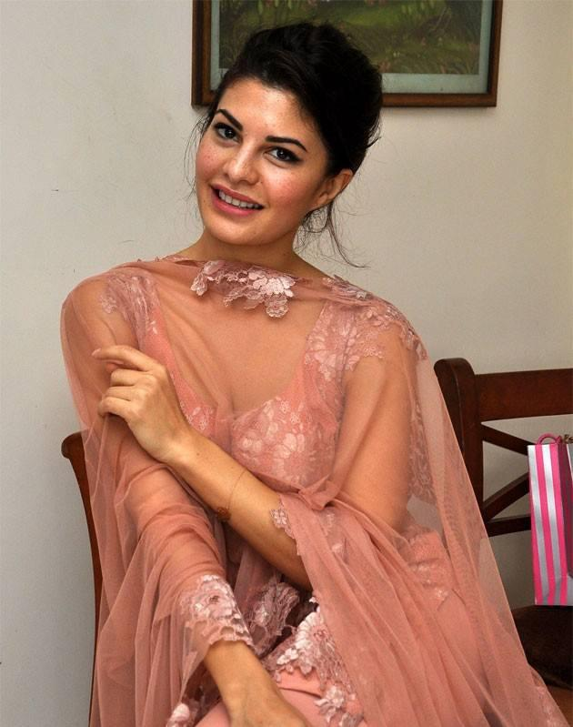 Jacqueline Fernandez Sweet Look During The Celebration Of Rakhi Purnima
