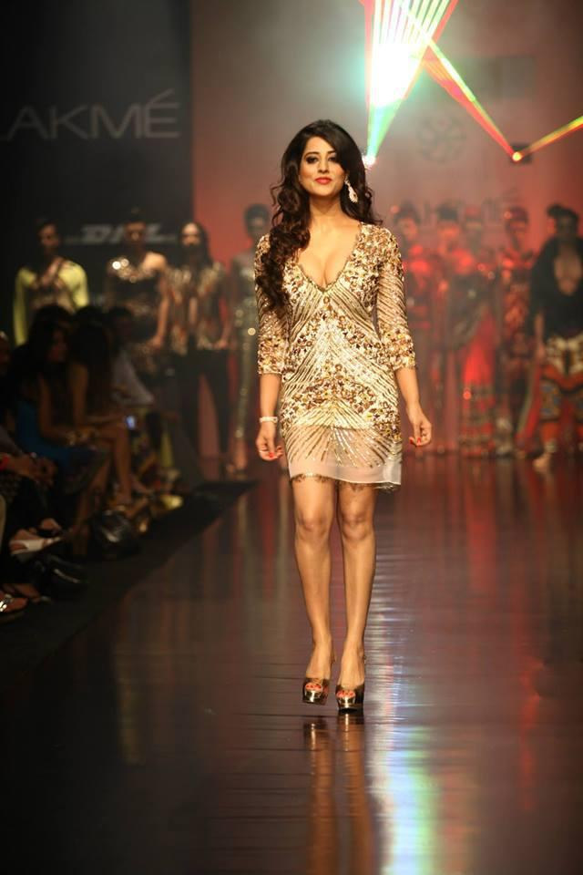 Mahi Gill Walks The Ramp At Lakme Fashion Week 2013 Day 3 Event