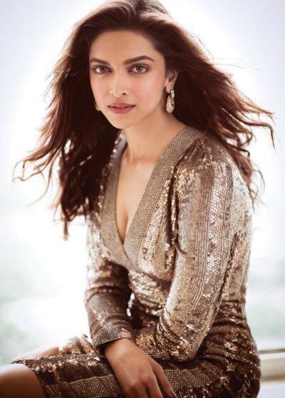 Deepika Padukone Looks Elegant On The Cover Of Filmfare August 2013