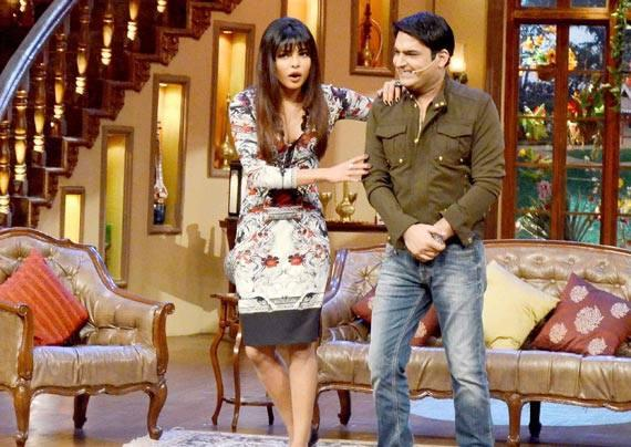Priyanka And Comedy King Kapil Cool During The Promotion Of Zanjeer On The Sets Of Comedy Nights With Kapil