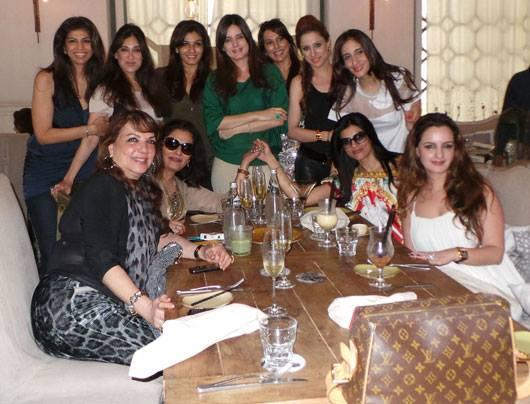 Zarine,Neelu,Zeba,Lucky,Raveena,Simone,Pooja,Rouble,Farah,Sushmita And Laila Enjoying The Success Of Farah Khan Ali