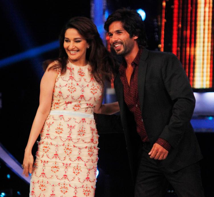 Madhuri And Shahid Col Stunning Look During The Promotion Of Phata Poster Nikla Hero On The Sets Of Jhalak Dikhhla Ja 6