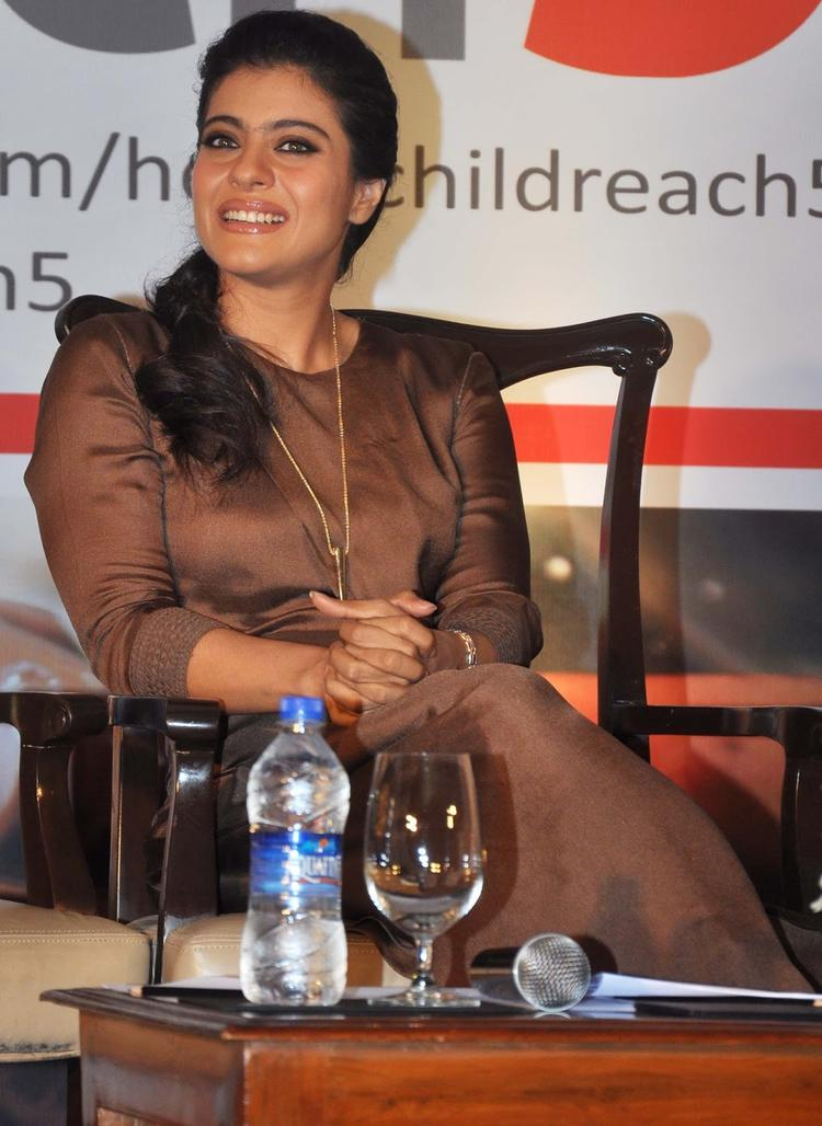 Kajol In Am Pm By Ankur And Priyanka Modi Dress At Help A Child Reach 5 Campaign