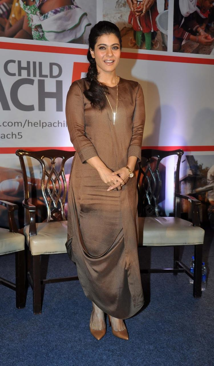 Kajol In Ankur Modi Priyanka Modi At Help A Child Campaign