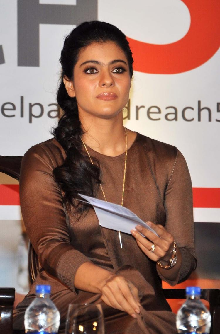 Kajol Devgan Looks Radiant At Help A Child Reach Campaign