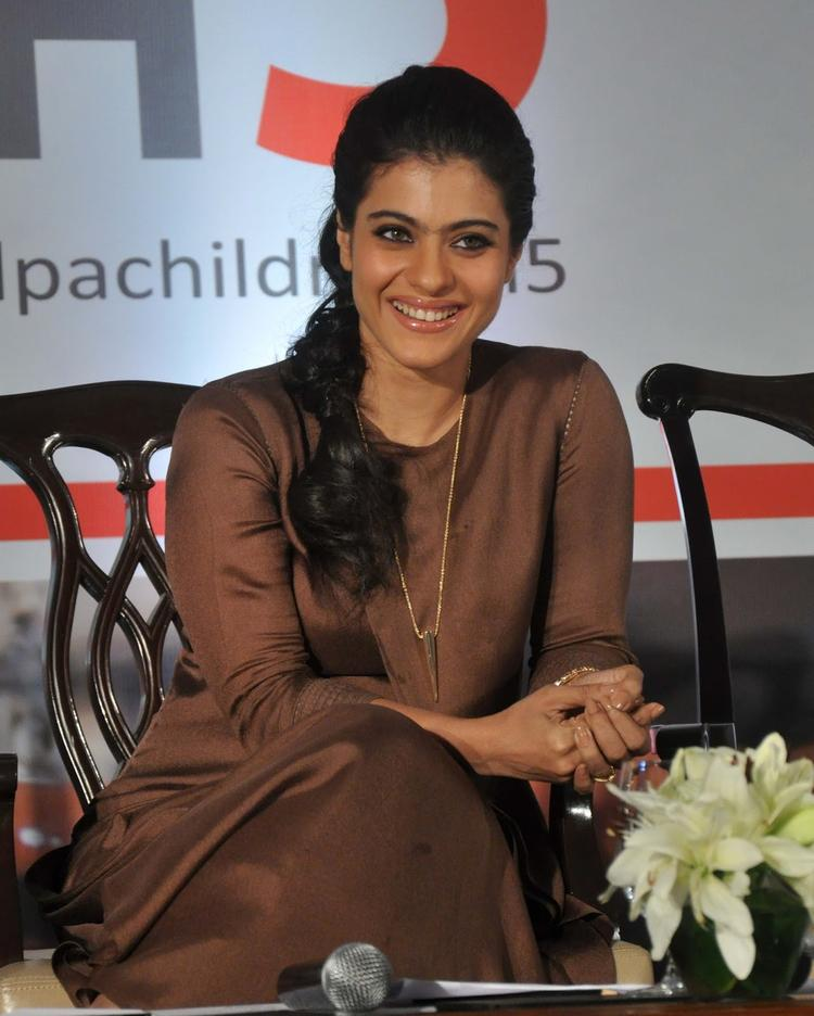 Kajol Devgan Sweet Smile Pic During Help A Child Campaign Event
