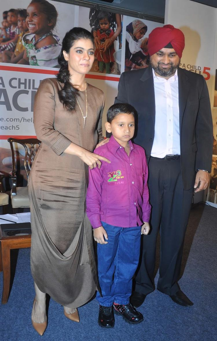 No Doubt Kajol IsLlooking Radiant At Help A Child Campaign In Ankur Modi Priyanka Modi