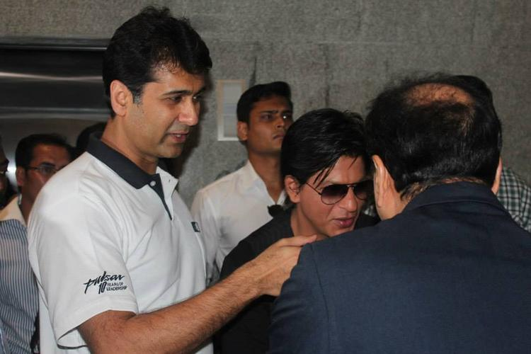 SRK During The Launch Of Prana Yoga Centre In Pune