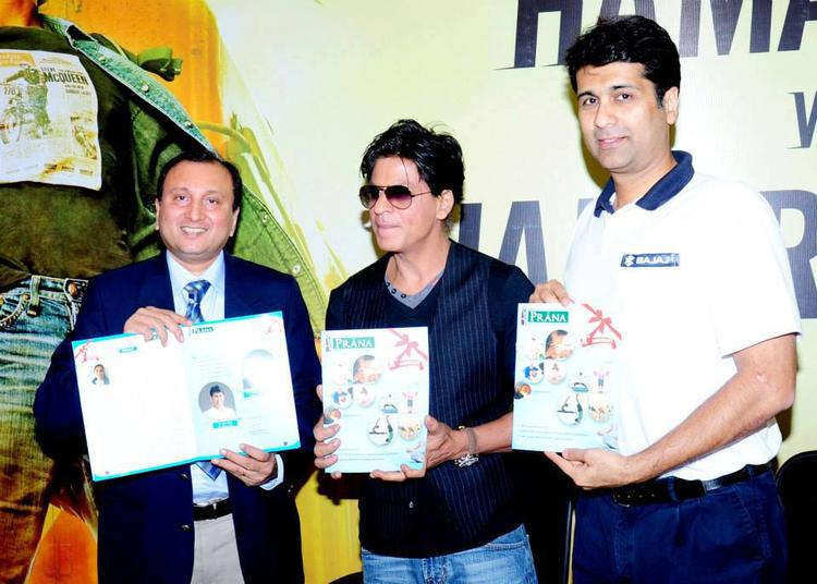 SRK Inaugurates First Prana Yoga Centre In Pune