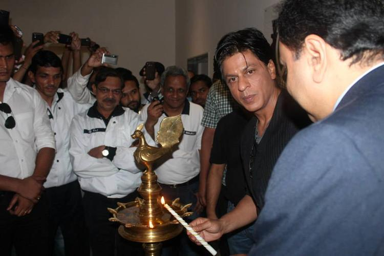 SRK Lights The Candle At Prana Yoga Centre In Pune
