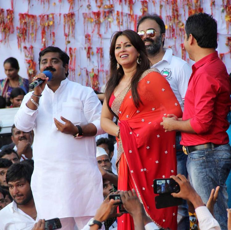 Mahima Chaudhry Ravishing In Red Saree At MLA Ram Kadam's Dahi Handi Celebration