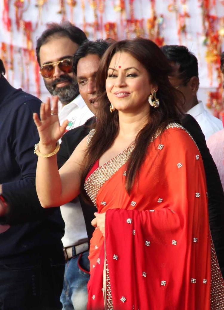 Mahima Chaudhry Snapped During Ram Kadam's Dahi Handi Celebration 2013