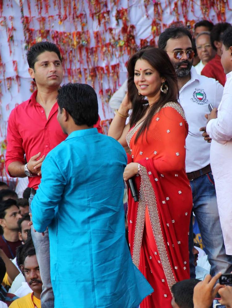 Mahima Chaudhry Stunning Look At MLA Ram Kadam's Dahi Handi Celebration