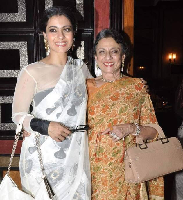 Kajol With Mom Tanuja At Her Sister Tanisha Stage Debut