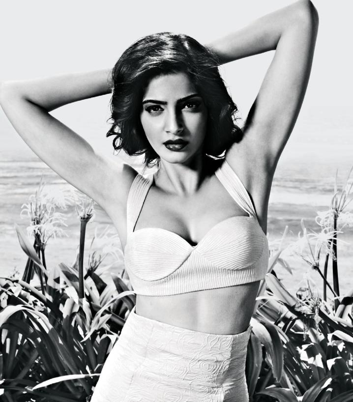 Sonam Kapoor Sizzling Look For Filmfare Magazine September 2013 Edition