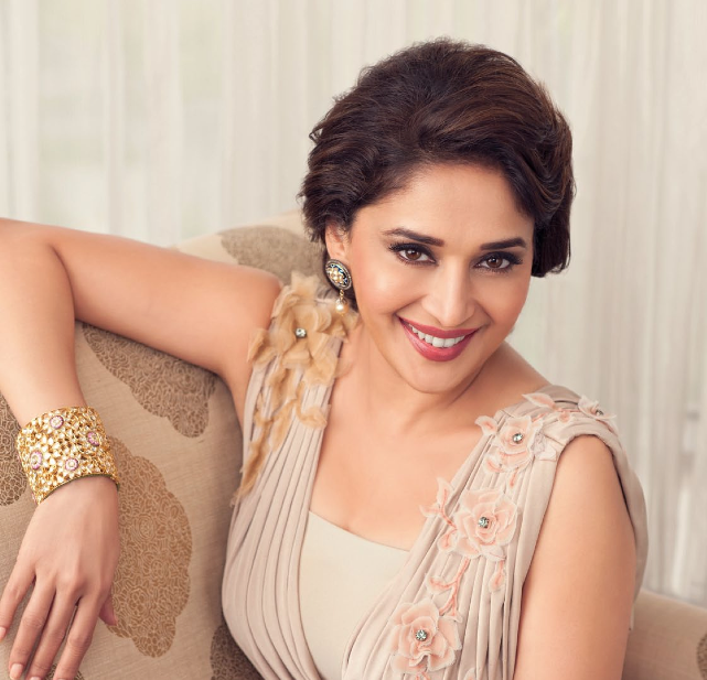 Evergreen Beauty Madhuri Sweet Smile Face Sizzling Pic For Hi! BLITZ