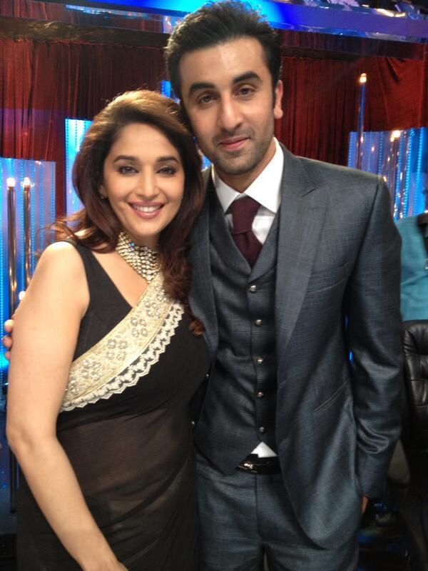 Madhuri And Ranbir Cool Posed During The Promotion Of Besharam On The Sets Of Jhalak Dikhla Jaa 6