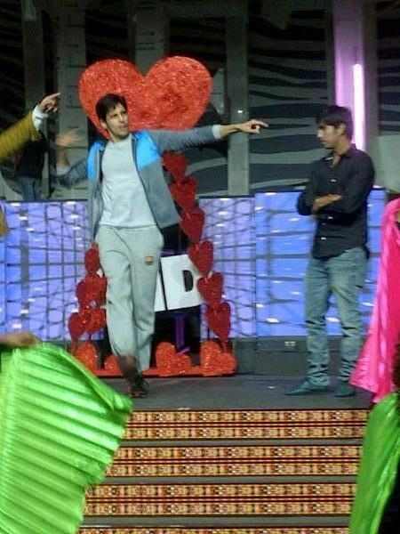 Sidharth Malhotra Danced At SAIFTA 2013 Rehearsals