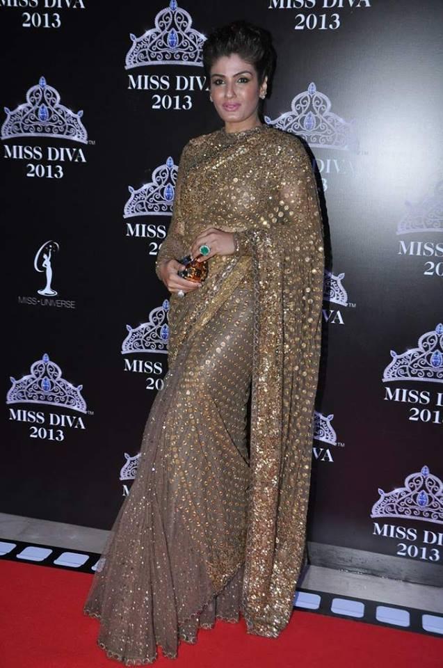 Raveena Tondon In A Gorgeous Saree On Red Carpet