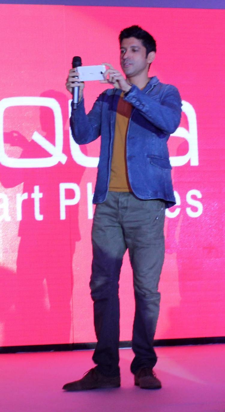 The Filmmaker And Actor Farhan Akhtar  Launches The Intex Aqua I7 Smartphone