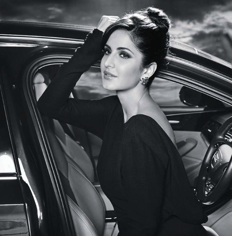 Katrina Kaif Hot Pose In Sleevefull Black Dress For Hello India