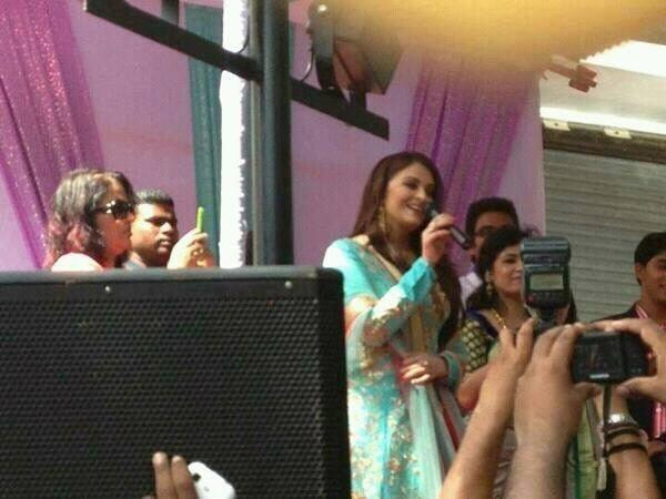 Aishwarya Rai Bachchan In Surat Today To Inaugurate Kalyan Jewelers Show Room On Ghod-Dod Road