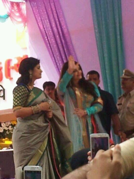 Aishwarya Rai To Say Hi Her Fans During The Inauguration Of Kalyan Jewelers