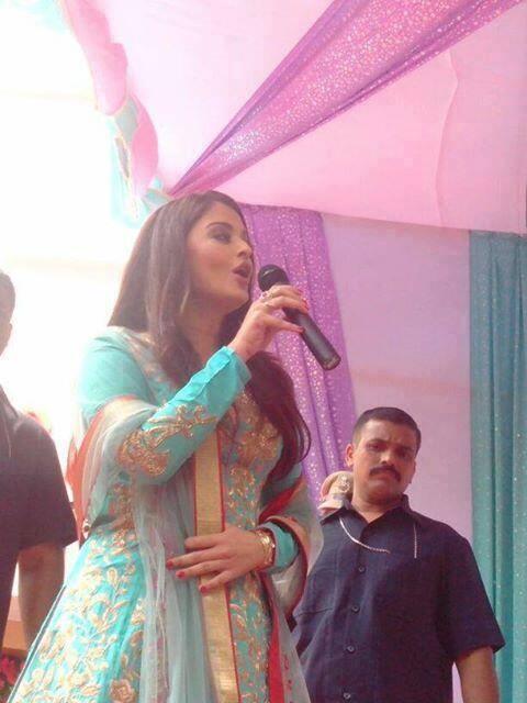 Aishwarya Rai In Sleevefull Churidar During The Inauguration Of Kalyan Jewelers In Surat.