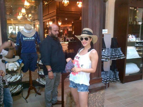 Ameesha Patel Cool Pic In Front Of A Dubai Mall