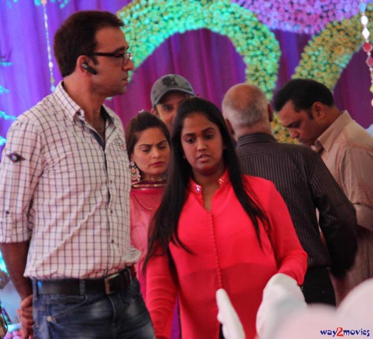 Arpita Khan Present At Her Ganpati Celebrations 2013