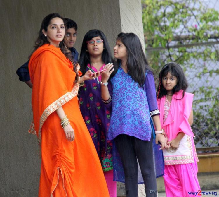 Guests Snapped At Arpita's Ganpati Celebrations 2013