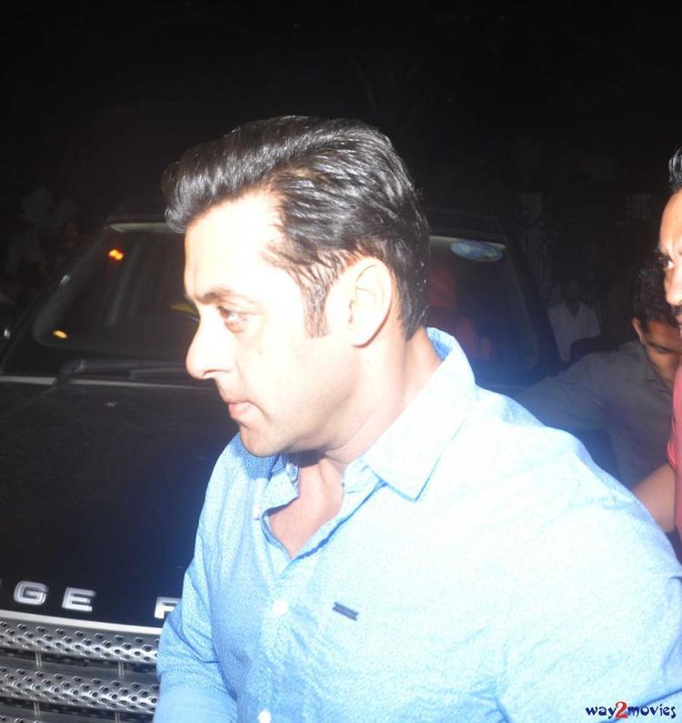Salman Khan Dazzled At His Sister Arpita's Ganpati Celebrations 2013