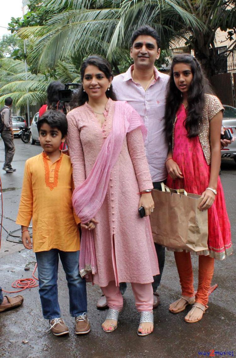 Shaina NC With Hubby Manish Munot And Children Clicked At Arpita's Ganpati Celebrations 2013