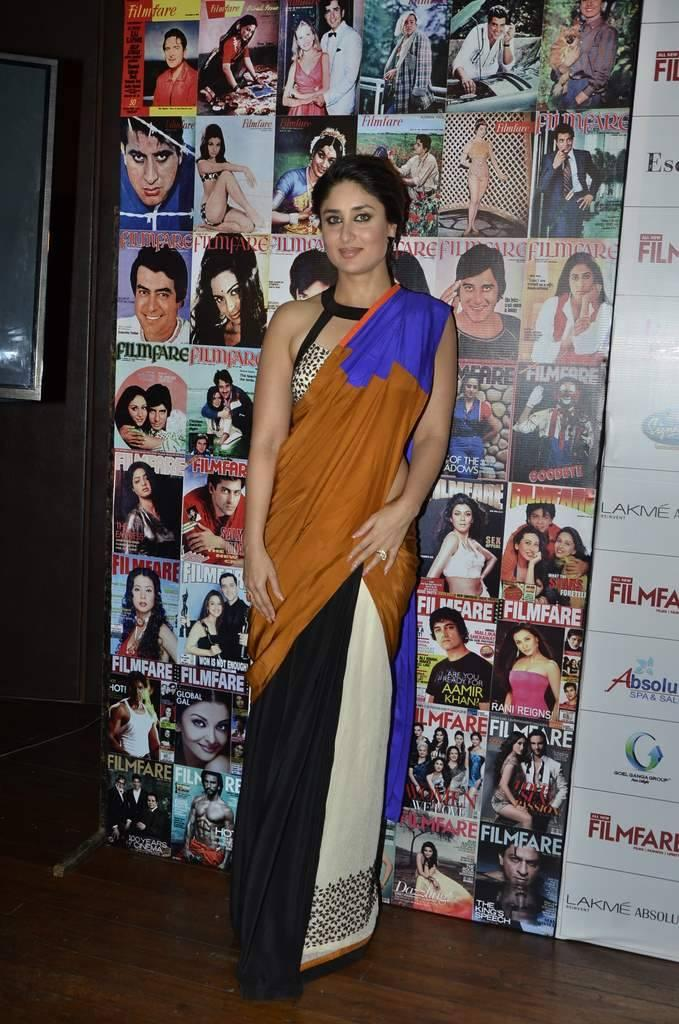 Kareena Snapped At The Launch Of Filmfare September 2013 Issue In Mumbai