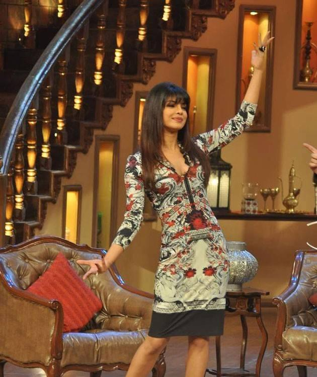 Priyanka Chopra Shows Off Some Moves On The Set Of 'Comedy Night With Kapil