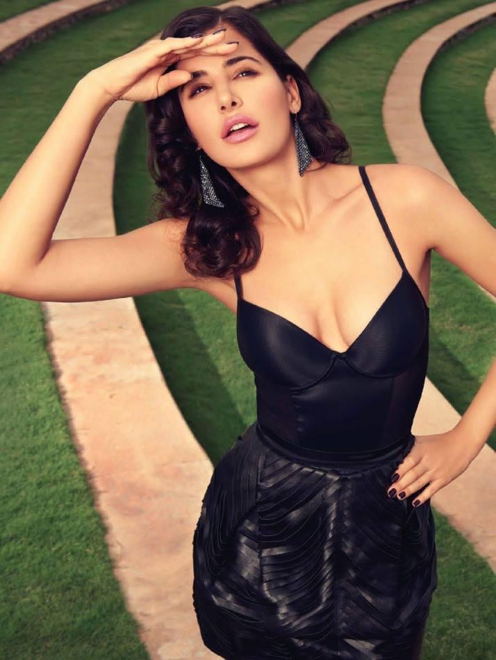 Nargis Fakhri Sexy Look Shoot For Filmfare Magazine September 2013