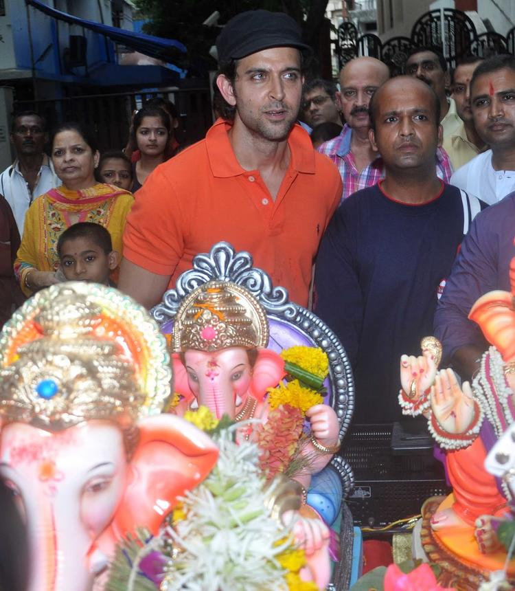 Bollywood Star Hrithik Roshan During Visarjan Lord Ganpati