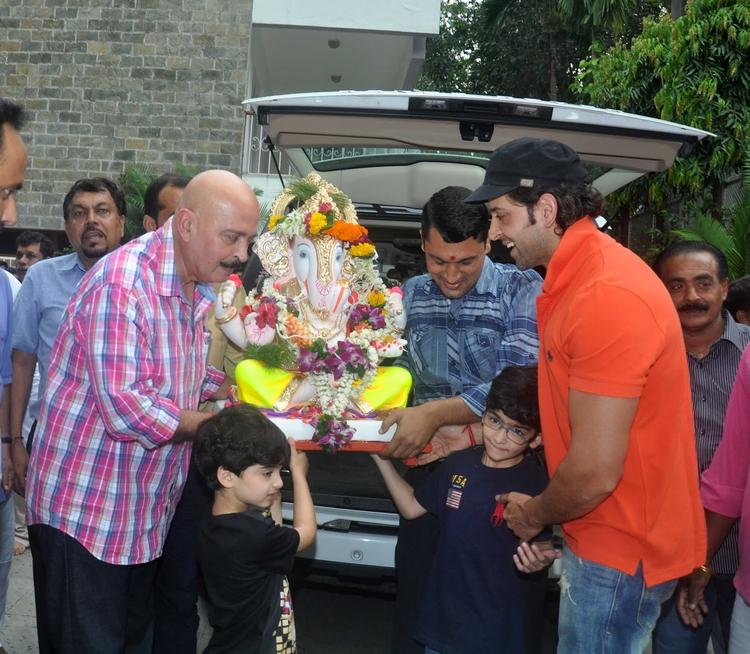 Hrithik Roshan's Family Celebrated Ganpati Visarjan In Mumbai