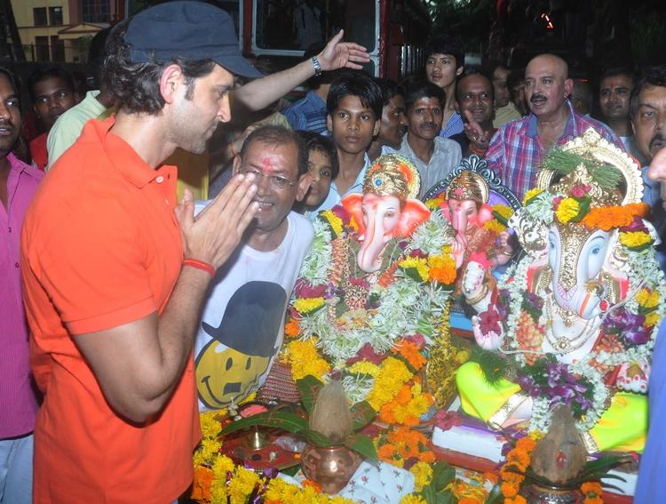 Style Icon Hrithik Roshan At His Ganpati Visarjan Celebration