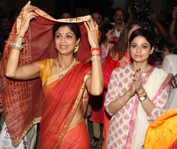 Shilpa Shetty Was Dressed In An Orange Saree With Gajra In Her Hair