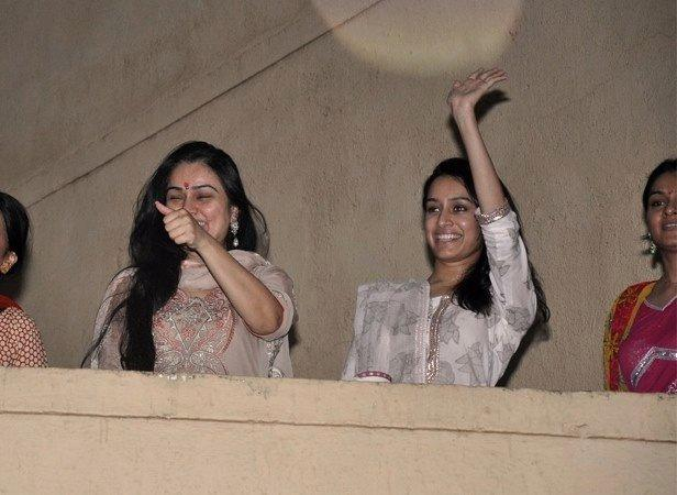 Padmini And Shraddha Greet The Fans During The Procession