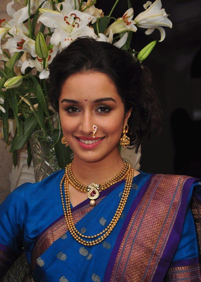 Shraddha Kapoor Cool Smiling Look On Ganesh Chaturthi 2013