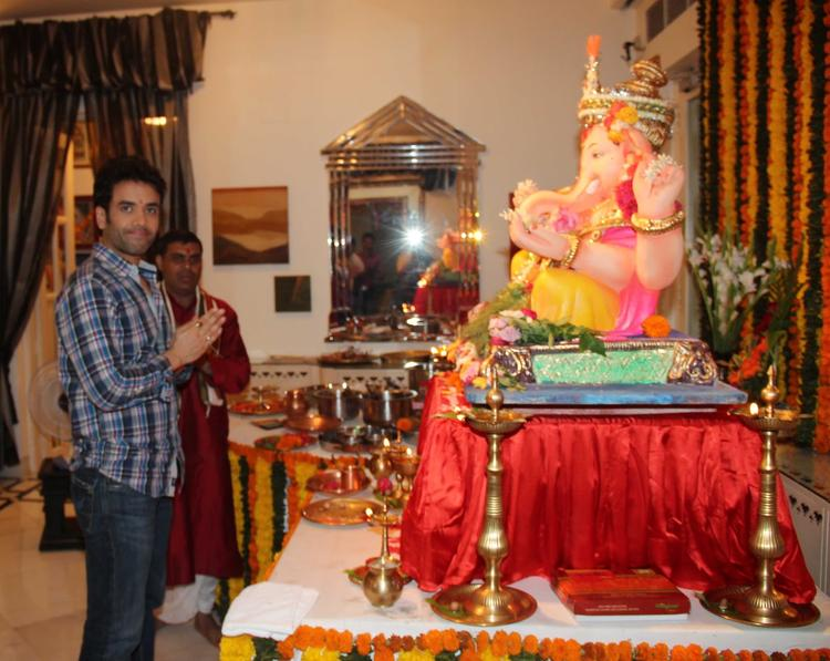 Tusshar Kapoor Snapped During The Ganesh Chaturthi At His Residence