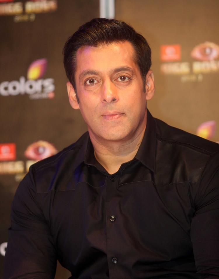 Salman Khan Handsome Look During The Press Launch Of Bigg Boss 7