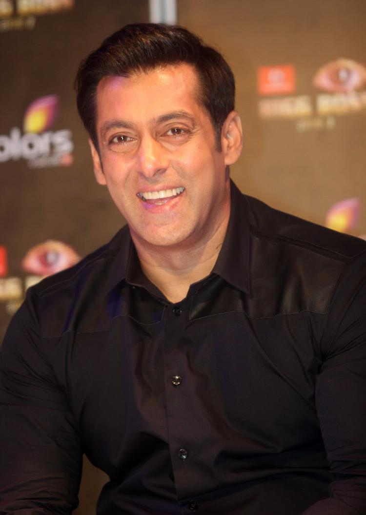 Salman Khan Smiling Look During The Press Launch Of Bigg Boss 7