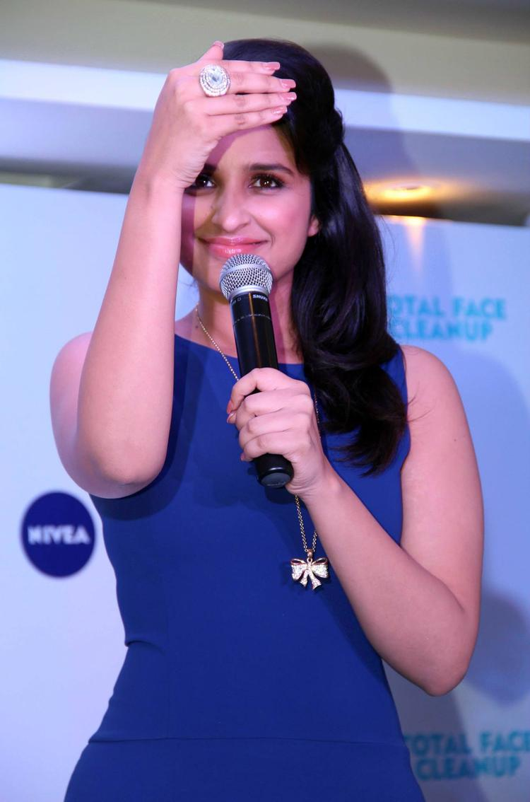 Parineeti Chopra Addresses The Audience At Nivea Meet And Greet Event 2013