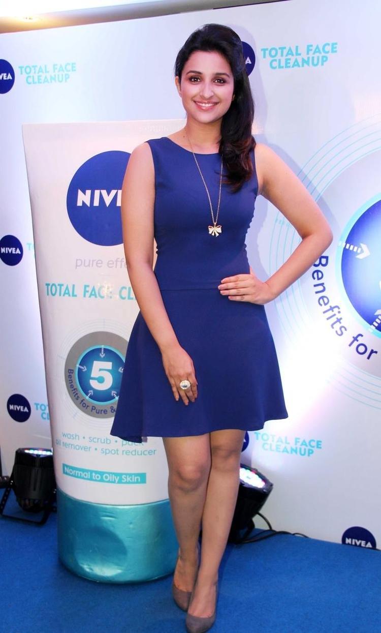 Parineeti Chopra Strikes A Pose At Nivea Meet And Greet Event 2013