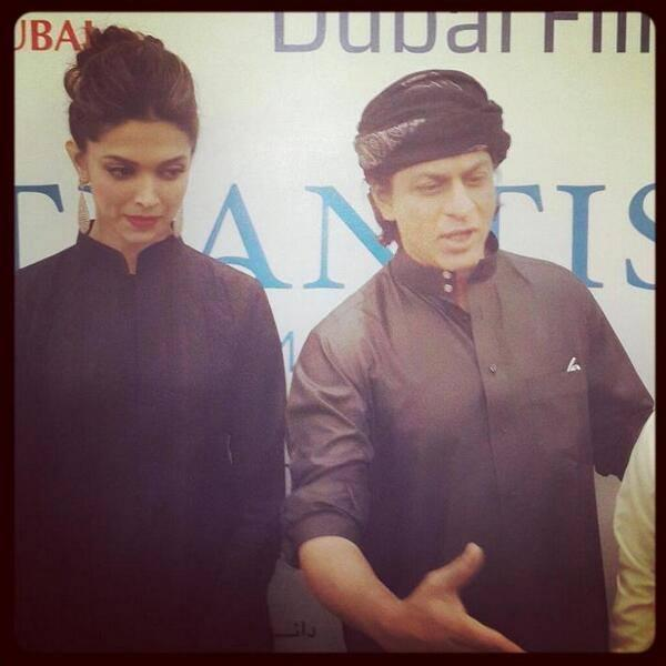 SRK And Deepika Cool Look At The Happy New Year Press Conference In Dubai