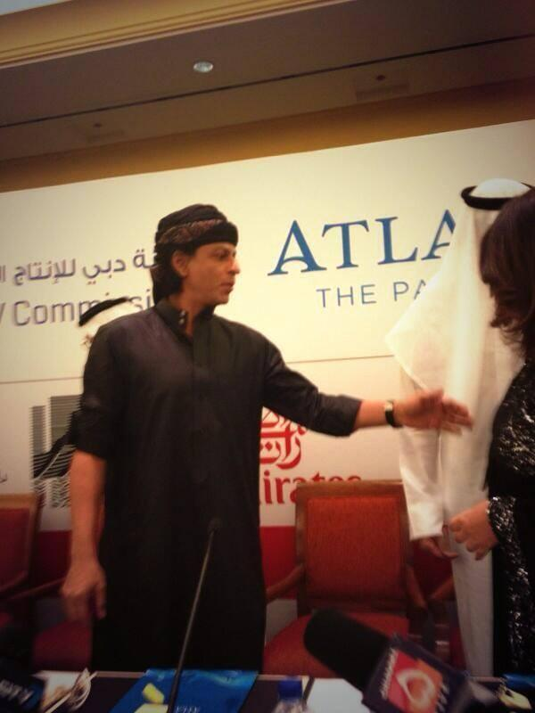 SRK Nice Look At The Happy New Year Press Conference In Dubai