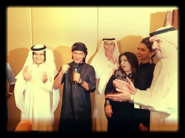 SRK Speaking,Vivaan,Farah,Deepika And Boman Cool Look At The Happy New Year Press Conference In Dubai